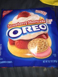 Nabisco Limited edition strawberry shortcake Oreos sandwich cookies
