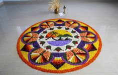 Pookalam: Onam festival is celebrated with great fun and fervour in the state of Kerala and by all malayalees living across the globe. Lotus Rangoli, Flower Rangoli, Onam Photos, Onam Pookalam Design, Onam Sadhya, Onam Celebration, Onam Festival, Different Kinds Of Flowers, Krishna Wallpaper