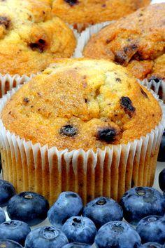 Blueberry Muffins paleo and gluten free Paleo Sweets, Paleo Dessert, Gluten Free Desserts, Gluten Free Recipes, Dessert Recipes, Gf Recipes, Healthy Desserts, Bread Recipes, Baking Recipes