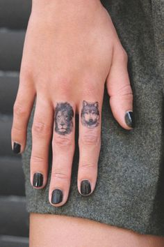 Tatoo - wolf lion tattoo - Black @agnesswalker Exactly two best animals in the world!