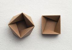 Thread Lid, antiprism box - Azumi Mitsuboshi.