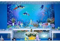 Festa fundo do mar azul para o Pedro comemorar 1 aninho. Decoração linda da @chicboomdecor e o bolo @sonhare_atelie  e fotografia @luizfilipefotografias  #deusnocontrole #seumundopodeserpersonalizado #sublimacaofeitacomamor #painelsublimado #painelemtecido #painelpersonalizado  #painelparafesta #fundodomar #1aninho