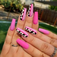 50+ Summer Nails To Give You Inspiration! - Prada & Pearls Bright Summer Nails, Cute Summer Nails, Summer Acrylic Nails, Bright Nails, Spring Nails, Nails Summer Colors, New Nail Trends, Nail Color Trends, Nail Swag