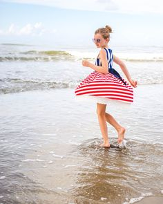 Celebrate the USA with these fun and festive patriotic party ideas. Great recipes for Memorial Day and of July picnics, fun beach photography tips, and great kids activities to celebrate summer.
