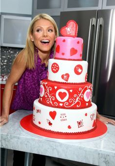 """Kelly Ripa teamed up with TLC's The Cake Boss, aka Buddy Valastro, for """"Kelly's Cake Off"""" for Electrolux Appliances. The sweet competition hosted five teams of enthusiastic bakers to decorate stylish cakes in support of the Ovarian Cancer Research Fund"""