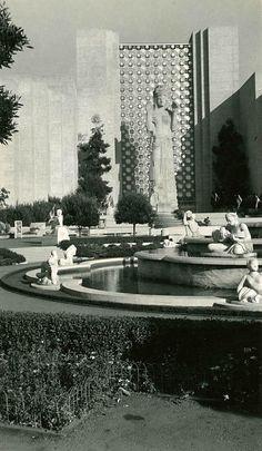 1939 San Francisco World's Fair - Treasure Island - Court of Pacifica