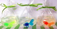 Une SUPER idée cadeau à offrir pour remercier les enfants venu à la Fête sous le thème de la plage, de la mer, de la pêche, les animaux, le zoo, Nemo, ou tout autres thèmesse rapprochant des poissons! Il pourra le conserver comme souvenir s'il ne ve