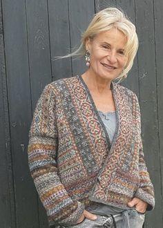 Ravelry: Lerwick design by Marie Wallin - Ondyna . Fair Isles, Felt Christmas Ornaments, Cardigans, Sweaters, Jumpers, Ravelry, Easy Diy, Creativity, Men Sweater