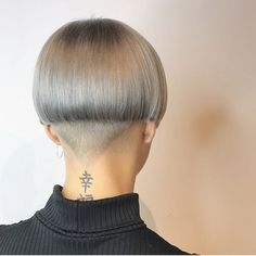 short hairstyles for round faces Wedding Bowl Haircut Women, Haircut Styles For Women, Short Haircut Styles, Short Hair Styles For Round Faces, Natural Hair Styles For Black Women, Best Short Haircuts, Hairstyles For Round Faces, Black Women Hairstyles, Pretty Hairstyles