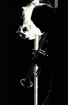 jazz black and white photos - Yahoo Image Search Results Black N White, Black White Photos, Black And White Photography, Soul Jazz, Photo Black, Light And Shadow, Shades Of Black, Belle Photo, Light In The Dark