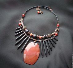 Jewelry trends for fall-winter Stone Jewelry, Wire Jewelry, Boho Jewelry, Beaded Jewelry, Unique Jewelry, Jewelery, Jewelry Necklaces, Beaded Necklace, Fashion Jewelry