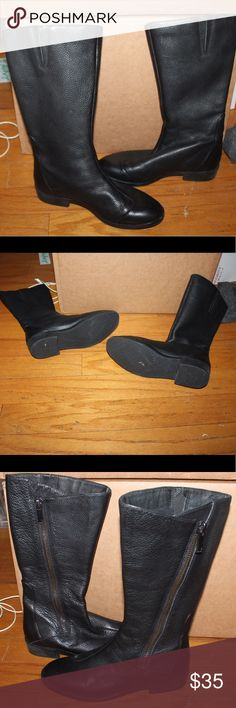 black leather Tsubo round toe boots zip up sides black leather Tsubo round toe boots zip up sides in EUC only worn a couple times very high quality boot tsubo Shoes
