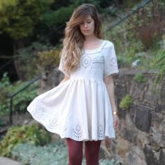 Staring At Stars Urban Outfitters Dress NWOT Urban Outfitters boho dress. Worn once, super pretty eyelet detailing with a scalloped edge. Urban Outfitters Dresses Mini