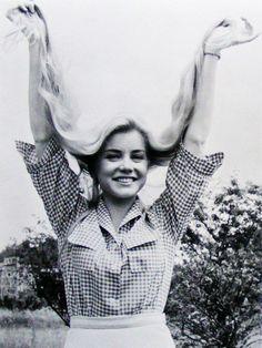 Dolores Hart .. via Retro Obsession