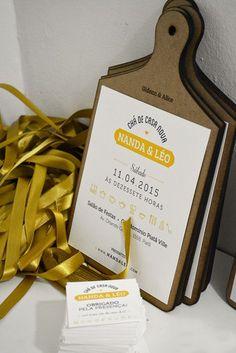 Criação e produção de convite para chá de casa nova.