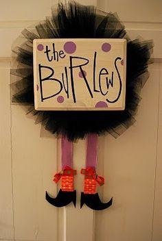very cute halloween wreath idea