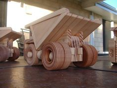 Wooden toy mine dump truck. от NixNaxToys на Etsy