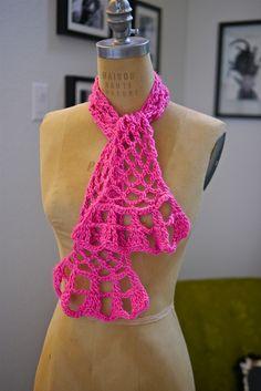 Springtime Scarflet    http://vickiehowell.blogspot.com/2012/03/1-ball-springtime-scarf-crochet-along.html