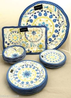 New-Cynthia-Rowley-Melamine-Plates -Bowls-Platters-14-Piece-Outdoor-Dining-Set  sc 1 st  Pinterest & Virtually unbreakable and absolutely beautiful Le Cadeaux melamine ...