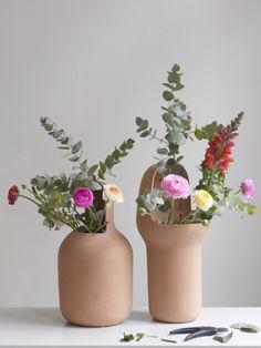 Terracotta Vases on funnyhowflowersdothat.co.uk