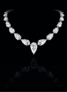 Leviev Pear shaped Diamond necklace