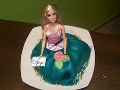 Barbie Kuchen alle Beschreibungen und noch mehr Fotos findet ihr hier: www.facebook.com/BaumbergerEntdecker