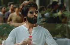 Kabir Singh Movie Images, HD Wallpapers-Shahid Kapoor Looks from Kabir Singh Indian Bollywood Actors, Bollywood Couples, Bollywood News, Celebrity Scandal, Latest Celebrity News, Sing Movie, Movie Dialogues, Hd Movies Download, Joker Wallpapers
