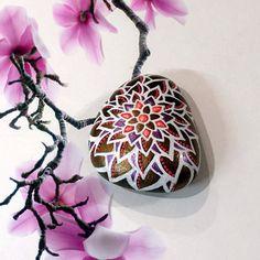 piedra de Mandala por DotsOfPaintCreations en Etsy