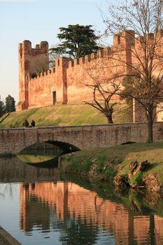 """""""Castelli allo specchio..."""" #buongiorno #Castelfranco Veneto - #Treviso"""