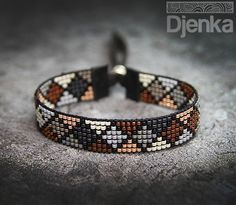 Bransoletka etniczna - beading - Andulo: Have a look at our large choice of women's jewelry and acce Loom Bracelet Patterns, Bead Loom Bracelets, Bead Loom Patterns, Jewelry Patterns, Beading Patterns, Beading Ideas, Peyote Bracelet, Macrame Bracelets, Beading Tutorials