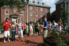Prospective UK students and their parents take time during the Campus Tour to enjoy the quadrangle right outside Bradley Hall