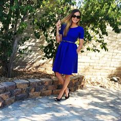 LuLaRoe Amelia dress :) Zip back, Hand sewn pleats & Hidden pockets!!!! #dresswithpockets