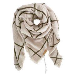 Grote vierkante Zusss sjaal. Heerlijke zachte sjaal om in weg te kruipen!  www.loft55.nl