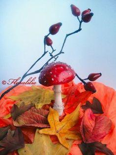 Fliegenpilz, Hagebutten und Herbstblätter aus Zucker von Floralilie
