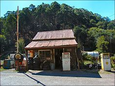 vintage service stations   The Woods Point Servo is one of those classic old service station ...