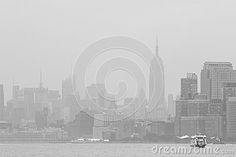 A view on New York from the Hudson river, with the Empire State Building in the background