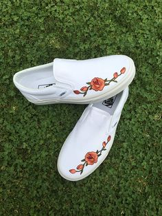 For women sizes, add 1.5 sizes to the mens size. (Typical Vans sizing) Men 5 = Women 6.5 Men 6.5 = Women 8 Turn around time: within the 1-2 business days! Receive your order quicker than other listing on Etsy! Click shipping & policies tab for more info Some old classic Vans