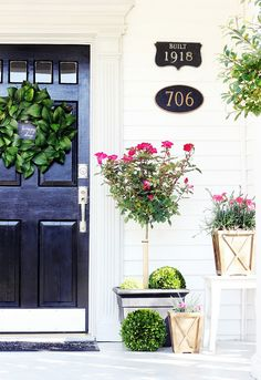 Creative and unique spring wreath ideas patio ideas front porch decorating for 24 diy spring door decor ideas easter spring door decorations ideas one kindesign Painted Front Doors, Front Door Decor, Petunias, Thistlewood Farms, Spring Door, Porch Decorating, Decorating Ideas, Decor Ideas, Topiary