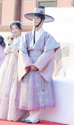 Park Bo Gum and Kim Joo Jung in Moonlight drawn by clouds - beautiful costumes Korean Hanbok, Korean Dress, Korean Outfits, Korean Traditional Dress, Traditional Fashion, Traditional Dresses, Asian Actors, Korean Actors, Love In The Moonlight Kdrama