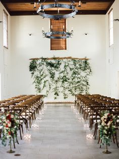 Photography : Mi Amore Foto Read More on SMP: http://www.stylemepretty.com/2017/03/01/the-perfect-spot-for-an-intimate-seaside-wedding/