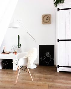 Living Room Kitchen, Living Room Interior, The Way Home, Eames, Minimalism, Black And White, Bedroom, Instagram, Design