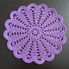 Crochet doily Step by step Tut Free Crochet Doily Patterns, Crochet Coaster Pattern, Crochet Placemats, Crochet Doily Diagram, Crochet Flower Tutorial, Crochet Quilt, Crochet Squares, Crochet Home, Thread Crochet