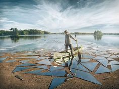 Erik Johansson, a photographer and digital artist used 17 square meters of glass and lot of Photoshop skill to create the impressive surreal image you see Erik Johansson Photography, Photomontage, Illusion Fotografie, Foto Mirror, Illusion Photography, Photography Ideas, Mirror Photography, Passion Photography, Image Photography