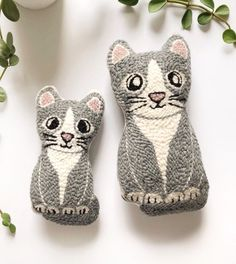 Punch Needle Kits, Punch Needle Patterns, Textiles Sketchbook, Monks Cloth, Grey Kitten, Fabric Scissors, Framed Fabric, Dog Pattern, Crafts For Kids To Make