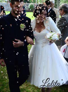 Traigo novia, guapa, elegante, espectacular,…. Me faltan calificativos para Noelia,  pues es tremendamente original y decida, llevaba un traje super original, hecho a medida, con un ramo de novia de tela hecho de treboles #ramosdenoviadetela #ramosdenovia #novias #wedding #weddingbouquet #bride