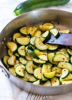 Sauteed Zucchini Recipes, Sauteed Zucchini And Squash, Roast Zucchini, How To Cook Zucchini, Chicken Skillet Recipes, Garlic Chicken Recipes, Cooking Zucchini, Zucchini Dinner Recipes, Zucchini Fries
