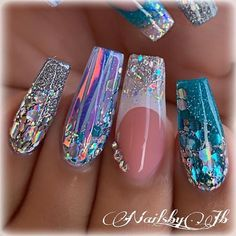 110 creative designs for black acrylic nails that will catch your eye page 23 Nails creative nails Sparkly Nails, Silver Nails, Glam Nails, Dope Nails, Bling Nails, Black Acrylic Nails, Best Acrylic Nails, Mermaid Nails, Manicure E Pedicure