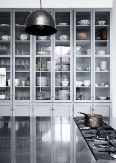 KBH Københavns Møbelsnedkeri: grey painted kitchen