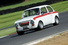 Abarth Day Fiat Abarth, Fiat 500, Modern Classic, Classic Cars, Plane Engine, Steyr, Small Cars, Retro Cars, Fast Cars