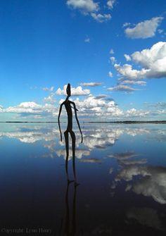 Antony Gormley - Inside Australia. Clouds